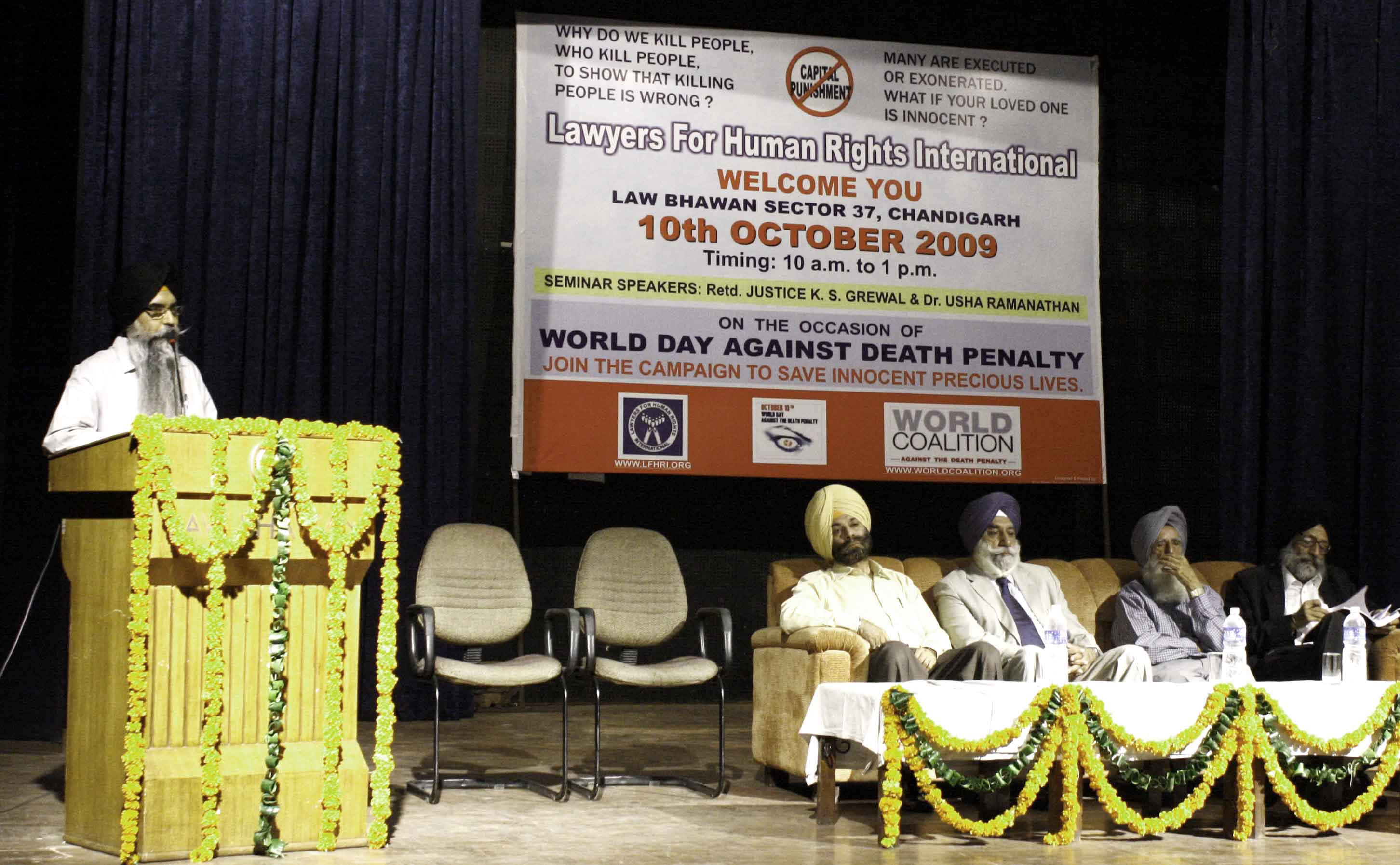 Navkiran Singh adressing in the seminar against death penalty